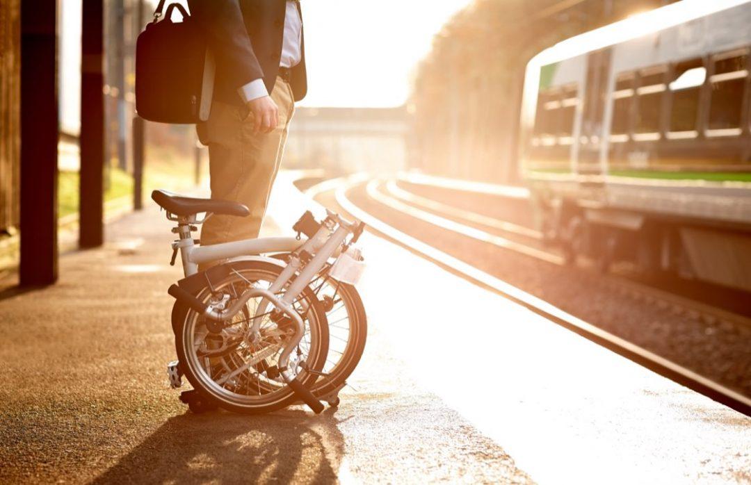 Ihopfälld cykel på perrång